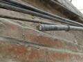 联通某电缆失窃后,工程队抢修现场